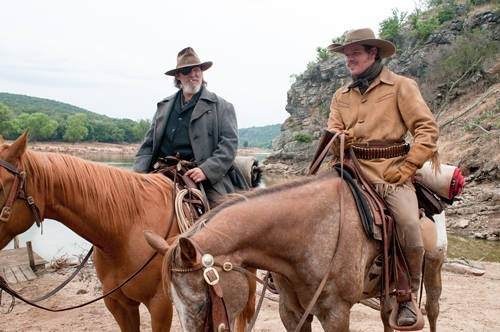 Matt Damon e Jeff Bridges in una scena di True Grit