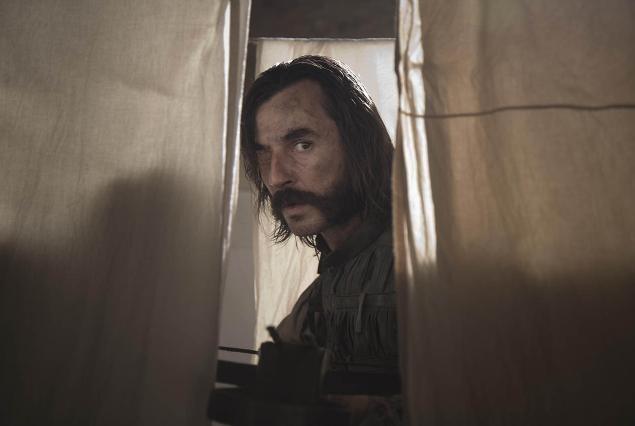 Santi Millán nei panni del cattivo De la Mata in Bruc: El Desafío