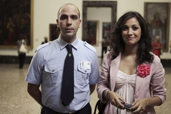 Checco Zalone con Nahiha Akkari nella commedia Che bella giornata