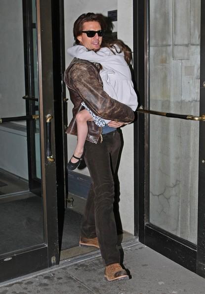Tom Cruise e Suri Cruise lasciano il loro appartamento di Manhattan