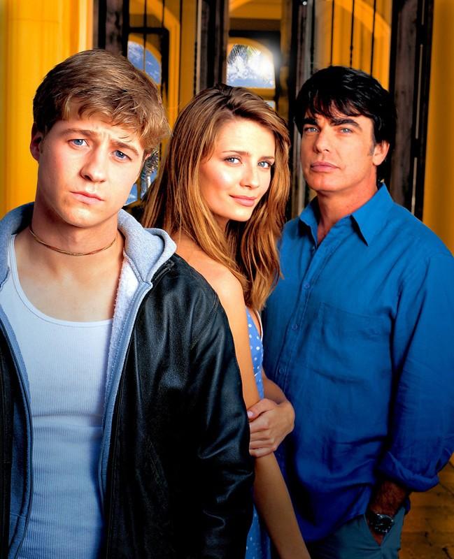 Benjamin McKenzie, Mischa Barton e Peter Gallagher per la prima stagione di The O.C.