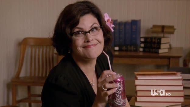 Sherilyn Fenn nell'episodio Dual Spires di Pych, omaggio a Twin Peaks