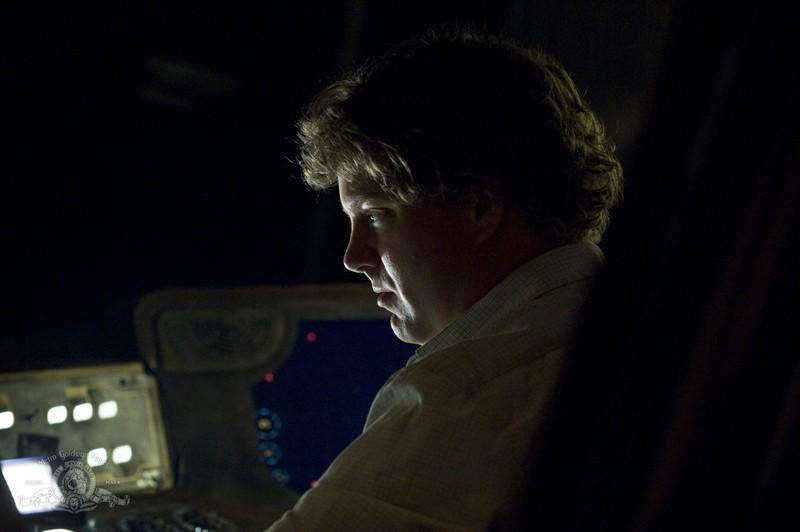 Un concentrato Patrick Gilmore nell'episodio Resurgence di Stargate Universe