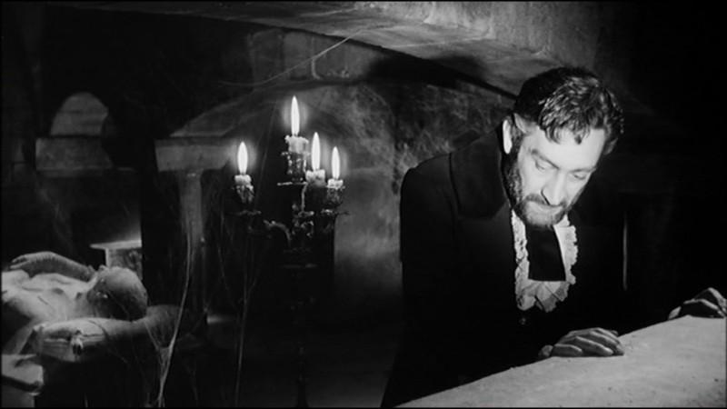 Arturo Dominici assassinato in una sequenza del film Danza Macabra