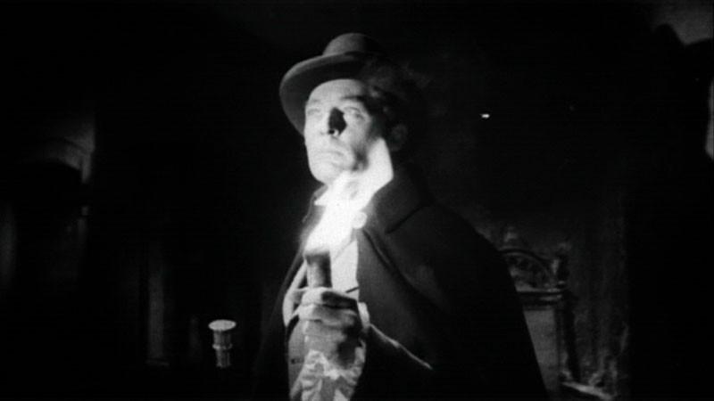 Georges Rivière in una sequenza del film Danza Macabra