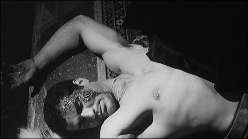 Una scena del film Danza Macabra