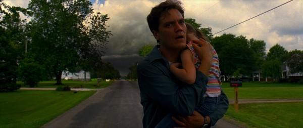 Michael Shannon in una drammatica scena di Take Shelter