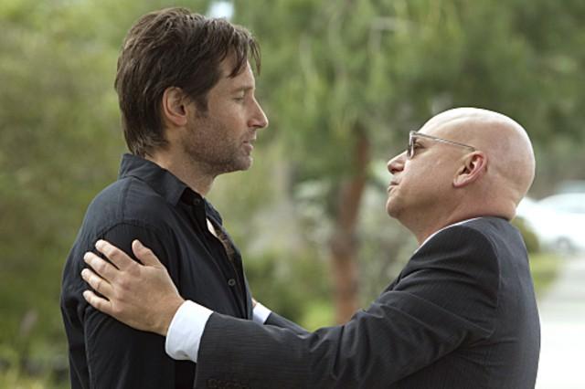 David Duchovny ed Evan Handler nell'episodio Exile on Main St., premiere della stagione 4 di Californication