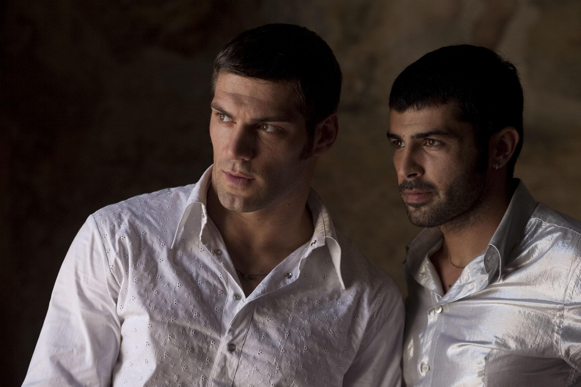 Wallpaper: Clemente Russo e Carmine Recano interpretano Michele e Rosario nel film Tatanka Scatenato