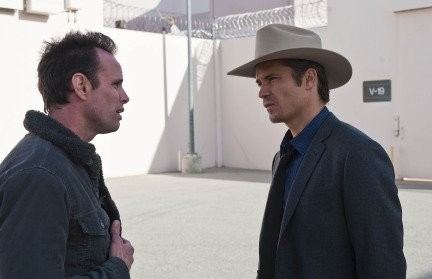 Walton Goggins e Timothy Olyphant nell'episodio Blowback di Justified