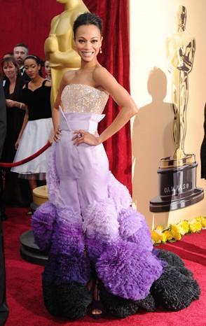 Zoe Saldana in una splendida creazione di Givenchy sul Red Carpet degli Oscar 2010