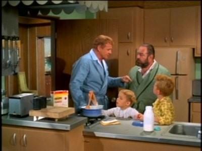 Una scena familiare nella serie Tre nipoti e un maggiordomo