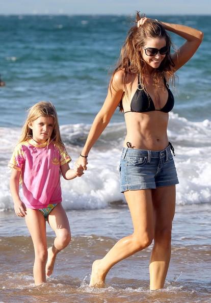 Denise Richards in vacanza con i suoi figli a Maui