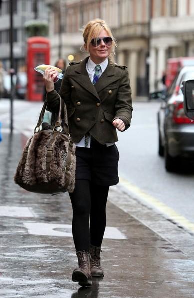 Geri Halliwell esce da una chiesa