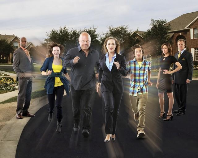Il cast di No Ordinary Family in una nuova immagine promozionale della serie
