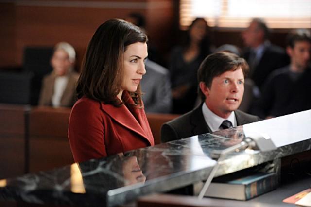 La guest star Michael J. Fox e Julianna Margulies in una scena dell'episodio Poisoned Pill di The Good Wife