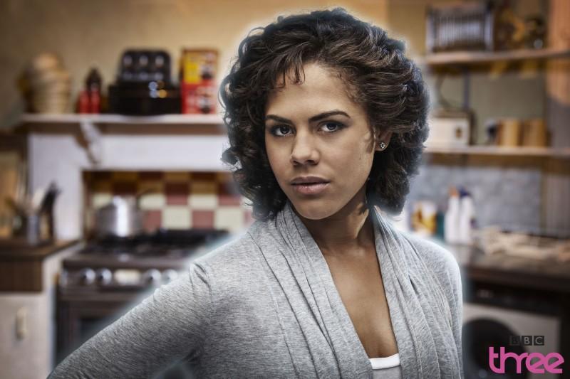 Lenora Crichlow in una foto promozionale della stagione 3 di Being Human