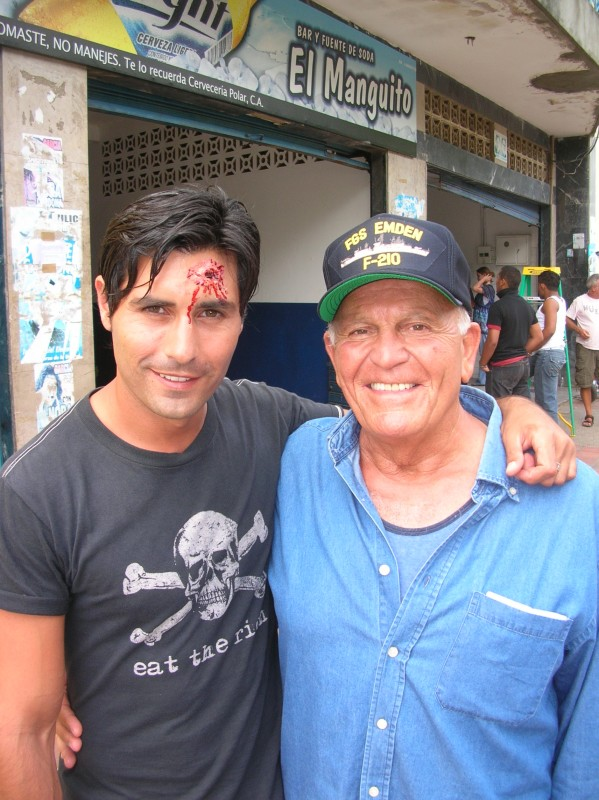 Maximiliano Hernando Bruno con Enzo G Castellari sul set di Caribbean Basterds