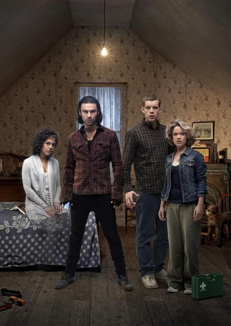 Una foto promozionale del cast della stagione 3 di Being Human