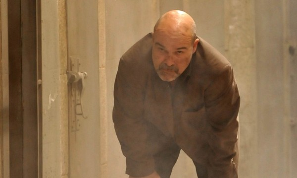 Antonio Resines in una scena del film La daga de Rasputín