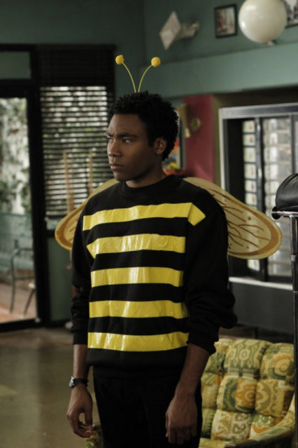 Donald Glover nell'episodio Celebrity Pharmacology di Community
