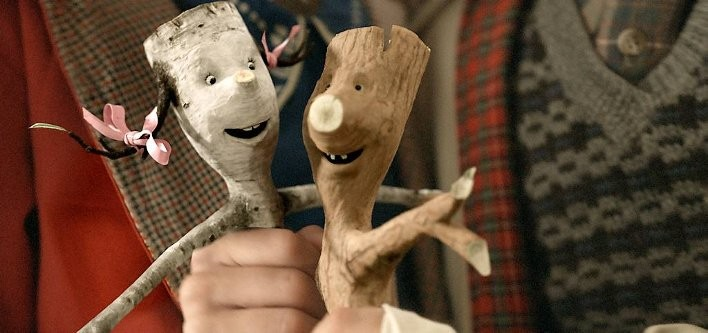Due teneri ramoscelli nel film Twigson ties the knot