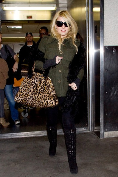 Jessica arriva al Los Angeles International Airport
