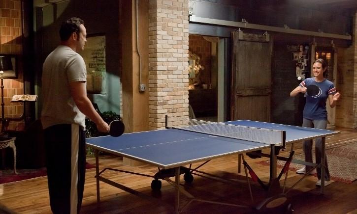 Vince Vaughn e Jennifer Connelly in una scena della commedia Il Dilemma