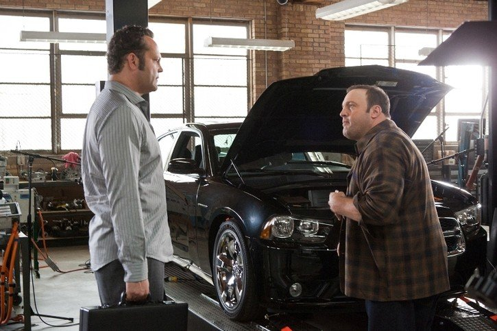 Vince Vaughn e Kevin James in una scena della commedia Il Dilemma