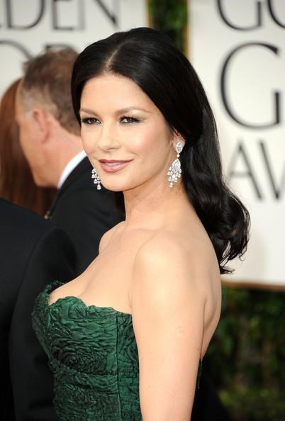 Golden Globes 2011, Catherine Zeta-Jones sul red carpet