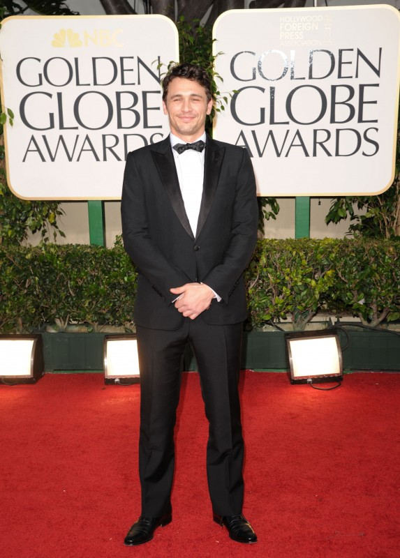 Golden Globes 2011, James Franco sul red carpet con un abito di GUCCI