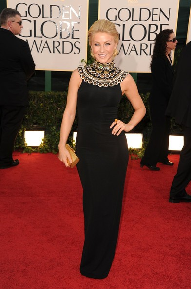 Golden Globes 2011, Julianne Hough sul red carpet