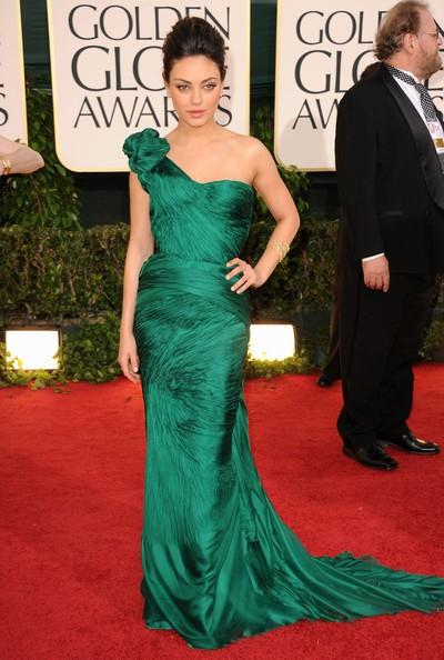 Golden Globes 2011, Mila Kunis sul red carpet