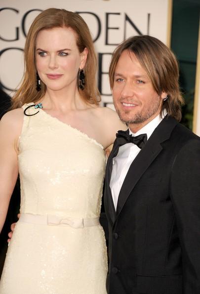 Golden Globes 2011,  Nicole Kidman sul red carpet accanto a Keith Urban