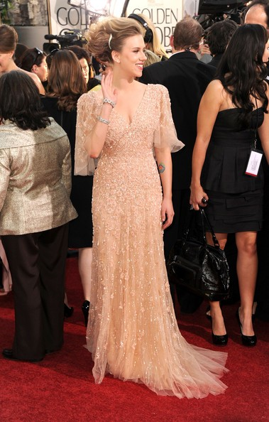 Golden Globes 2011, Scarlett Johansson sul red carpet