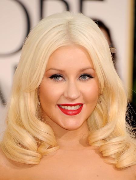 Golden Globes 2011, sul tappeto rosso sfila anche Christina Aguilera.