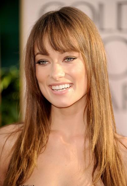 Golden Globes 2011, un primo piano di Olivia Wilde sul red carpet