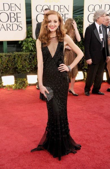Golden Globes 2011: una esile Jayma Mays, in total black, sul red carpet