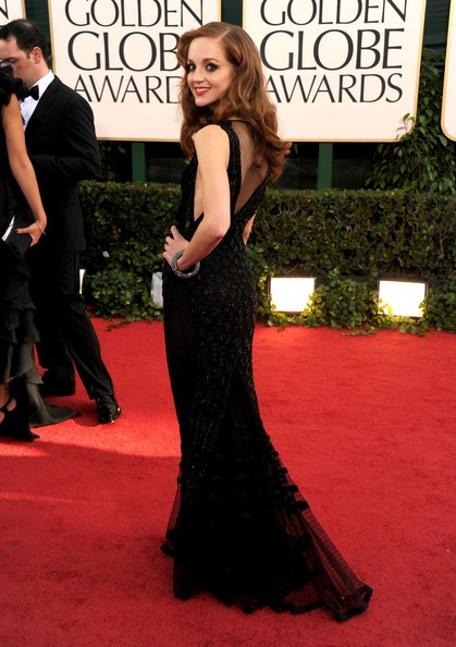 Golden Globes 2011: una esile Jayma Mays sul red carpet