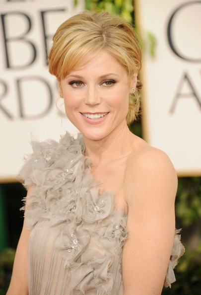 Golden Globes 2011, una sorridente Julie Bowen sul red carpet