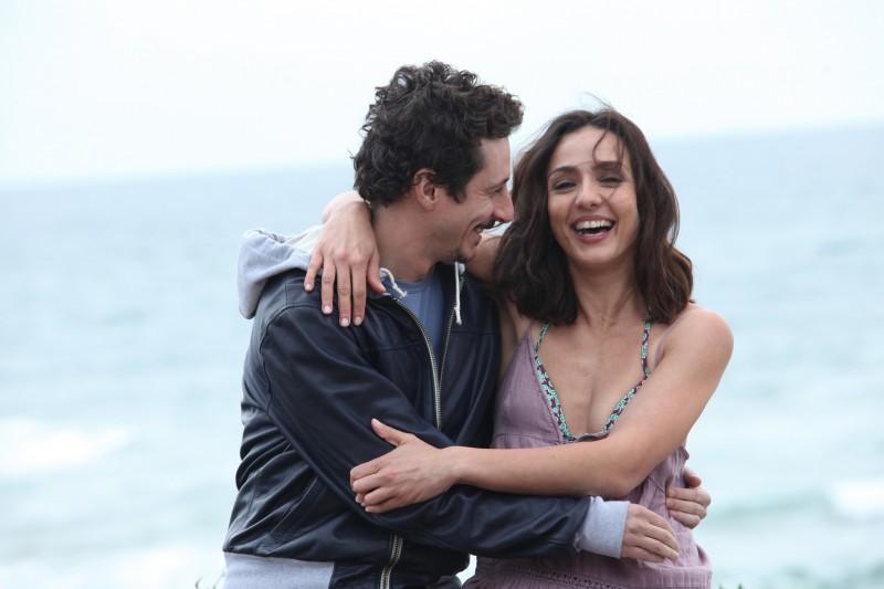 Ambra Angiolini e Luca Bizzarri in una bella immagine del film Immaturi