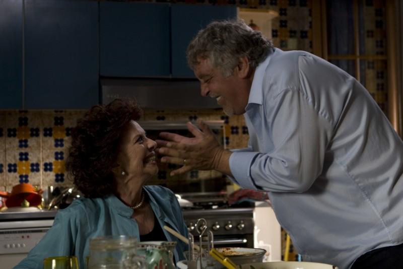 Giovanna Ralli e Maurizio Mattioli in un'immagine del film Immaturi
