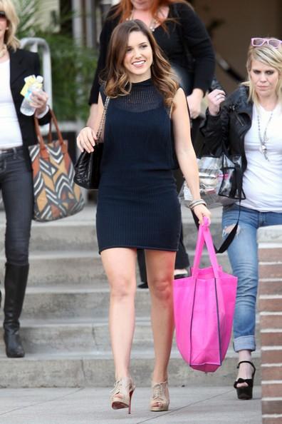 Sophia Bush esce dagli E! Studios dopo esser stata intervistata da Chelsea Handler