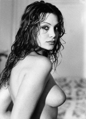 Una sensuale immagine di Evelina Manna