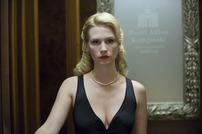 January Jones nel film Unknown, diretto da Jaume Collet-Serra