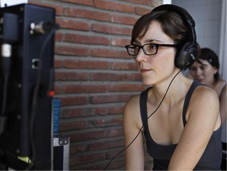 La regista Elena Trapé sul set del suo film Blog