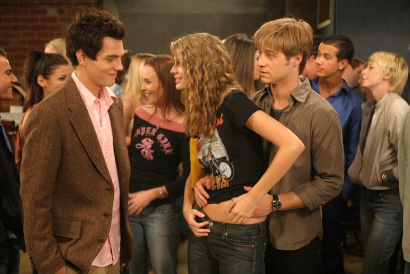 Taylor Handley, Mischa Barton e Benjamin McKenzie nell'episodio Il terzo incomodo di The O.C.
