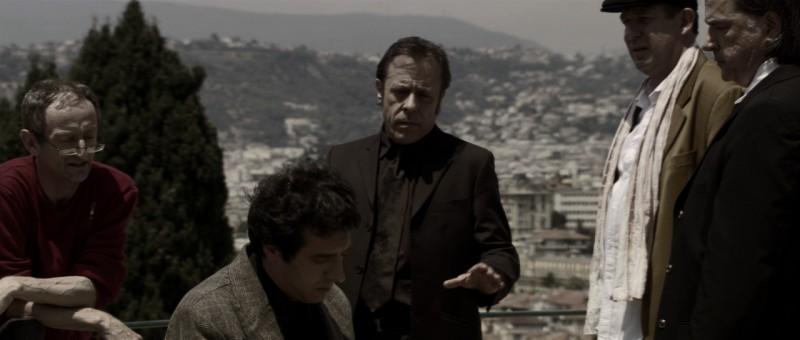 Una scena del film Le Thanato