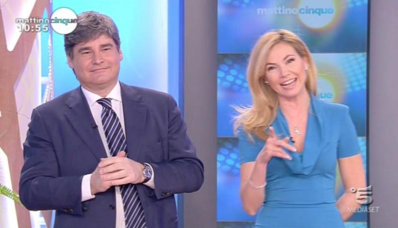 Federica Panicucci in onda su Canale 5 con un abito firmato da Giò Guerreri.