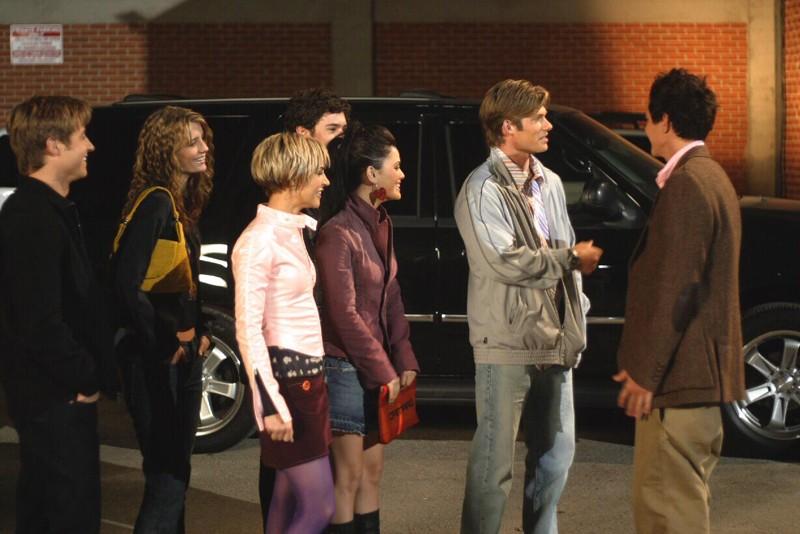 I ragazzi fanno conoscenza con Oliver (Taylor Handley) nell'episodio Il terzo incomodo di The O.C.